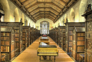 800px-St_John's_College_Old_Library_interior