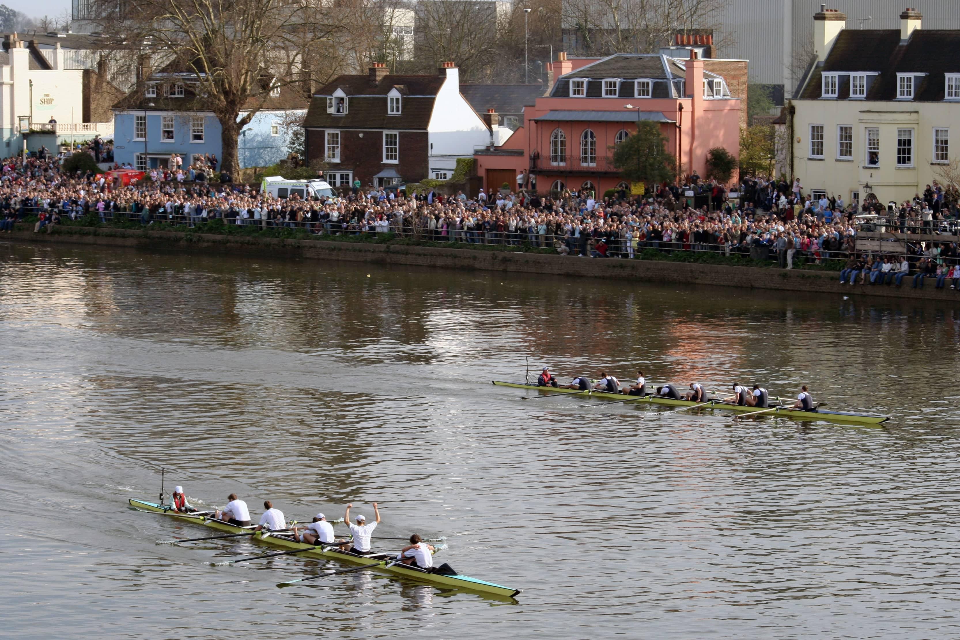Finish_of_2007_Oxford-Cambridge_boat_race